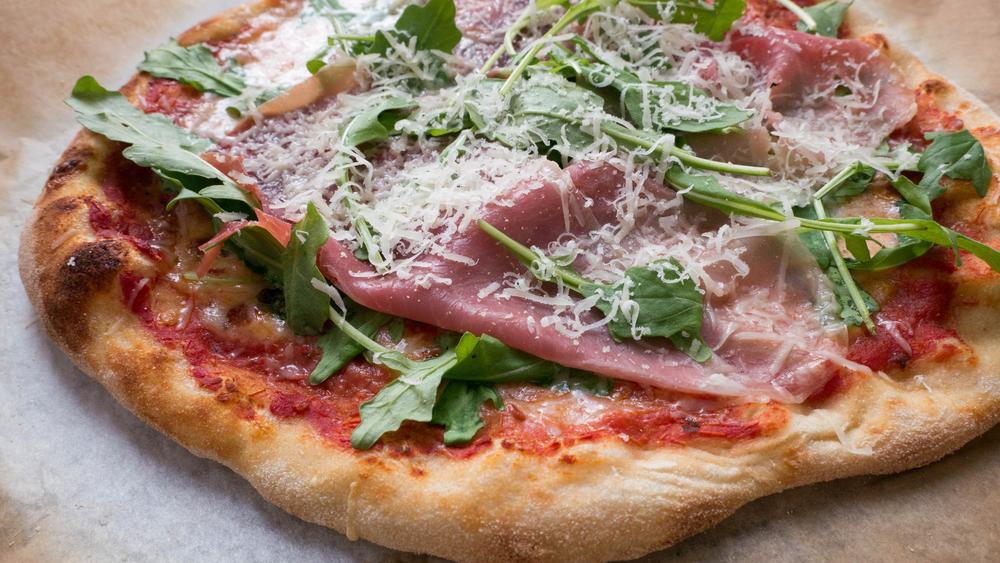 Verdens bedste pizzadej – Koldthævet og æltefri