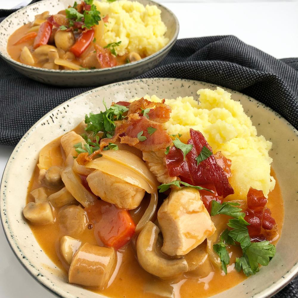 Vikingegryde med kylling og pølser – Med kartoffelmos