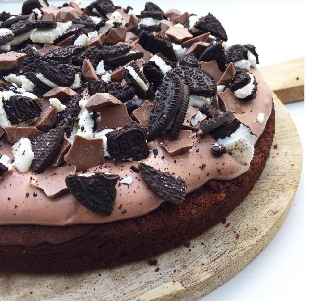 """Chokoladekage med """"snyde"""" chokolademousse"""
