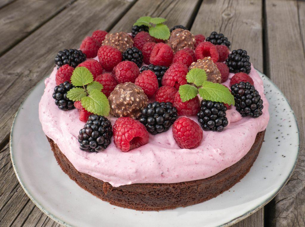 Chokoladekage med bærskum