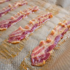 Sådan laver du bacon i ovnen