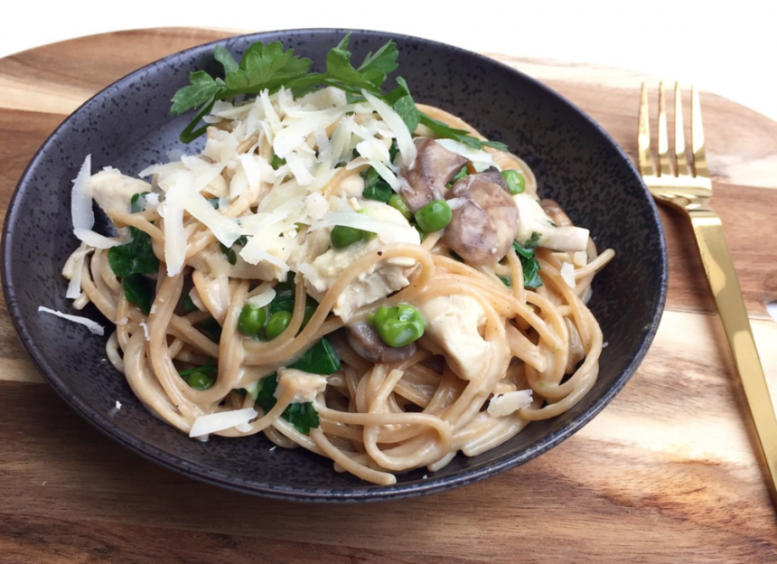 One pot pasta med kylling og champignon