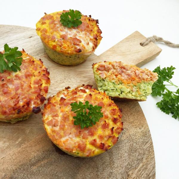 Små lækre æggemuffins med skinke