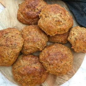 Koldhævede madpakkeboller – Sunde boller med frø og kerner