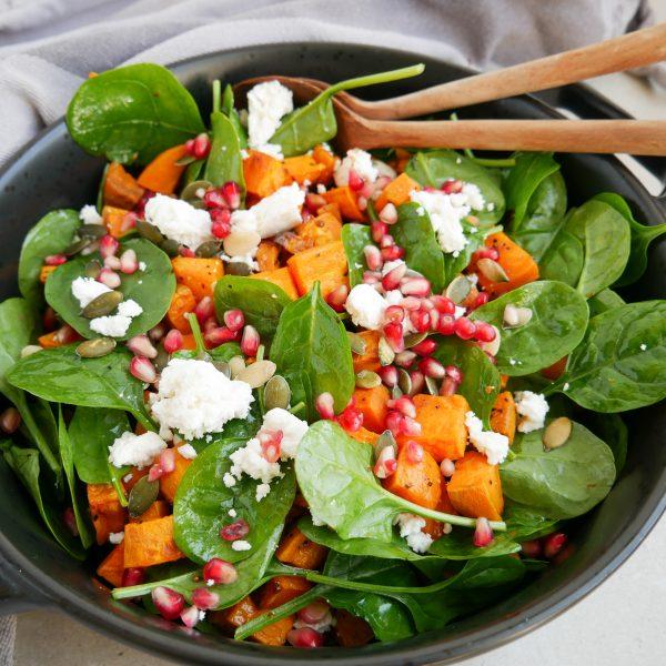salat med søde kartofler og feta