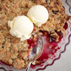 Blomme crumble