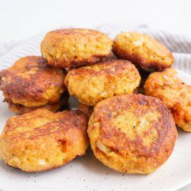 Vegetar frikadeller med søde kartofler