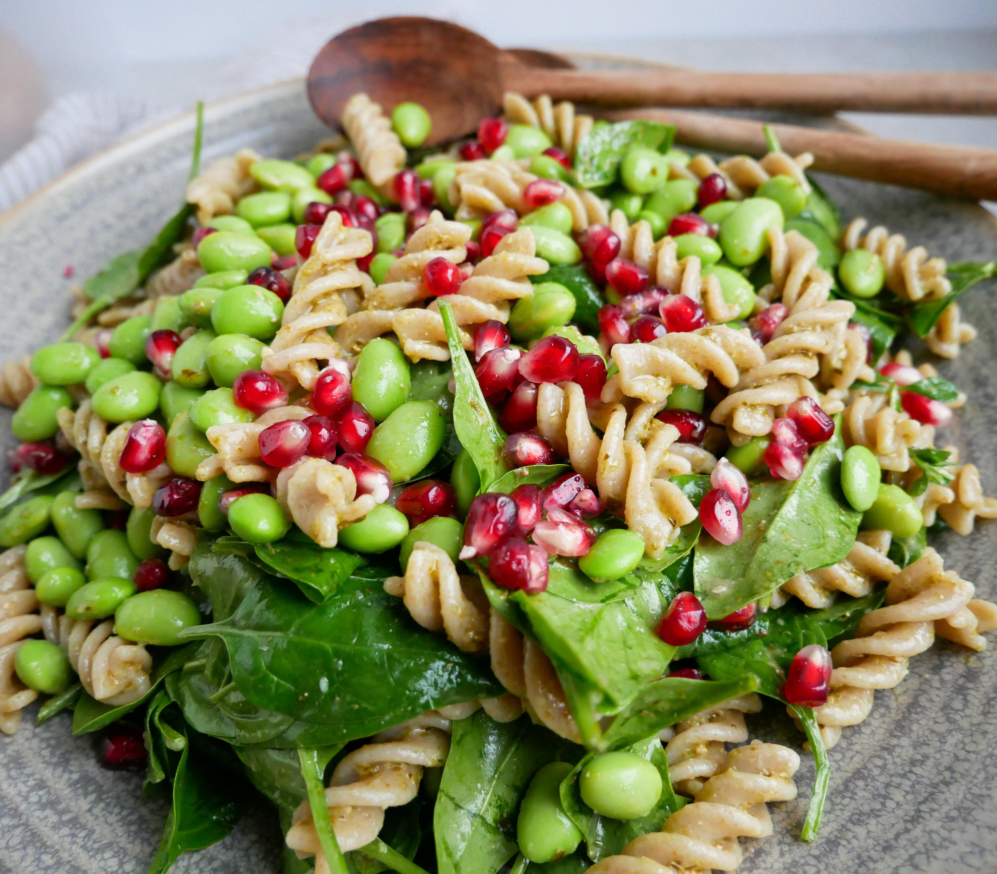 pastasalat med pesto og edamame