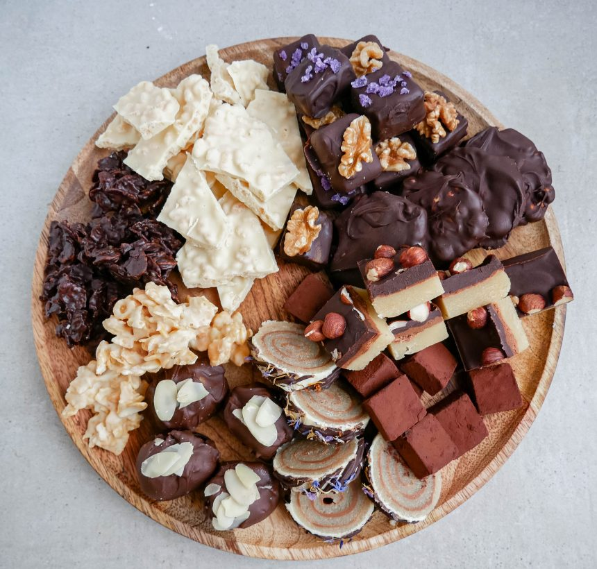 Konfekt med nougat og chokoladetrøffel