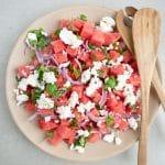 Salat med vandmelon, rødløg og feta