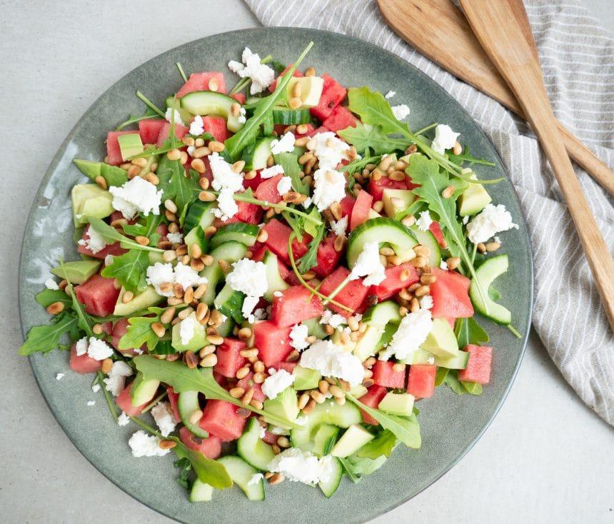Salat med avocado, melon og feta