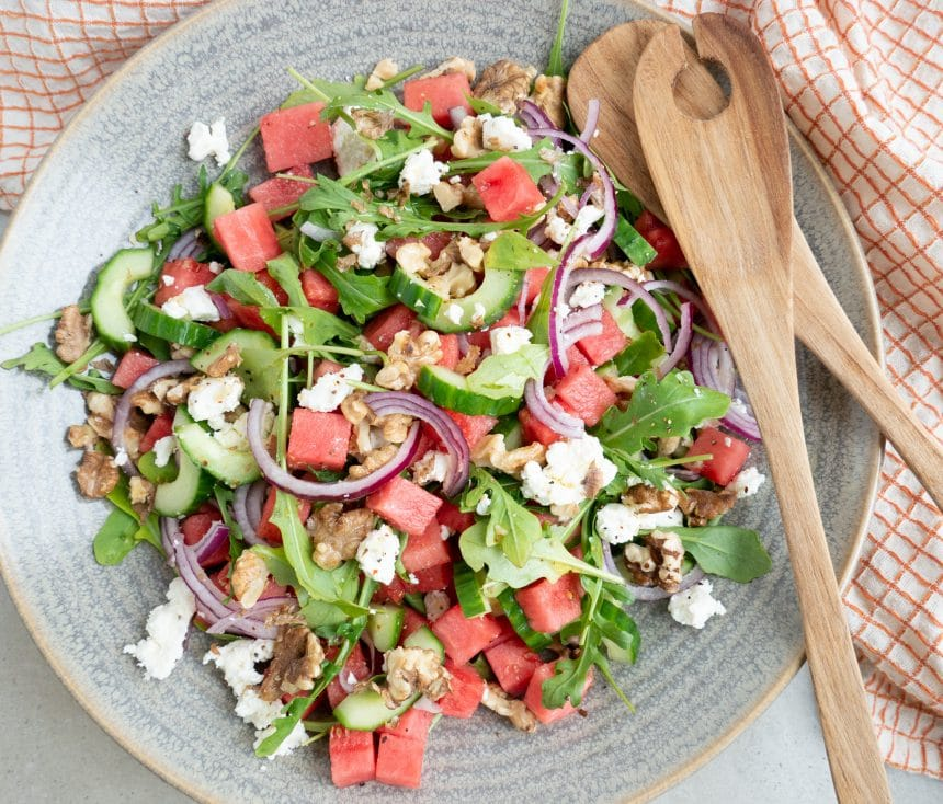 Salat med melon, feta og valnødder