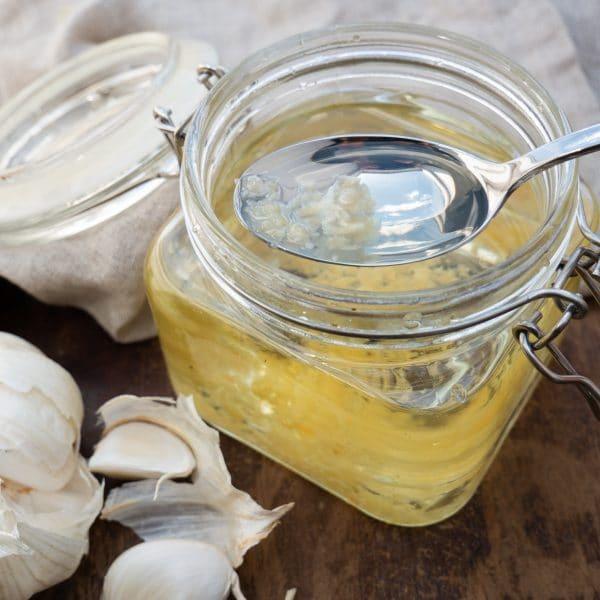 Nem opskrift på hjemmelavet hvidløgsolie