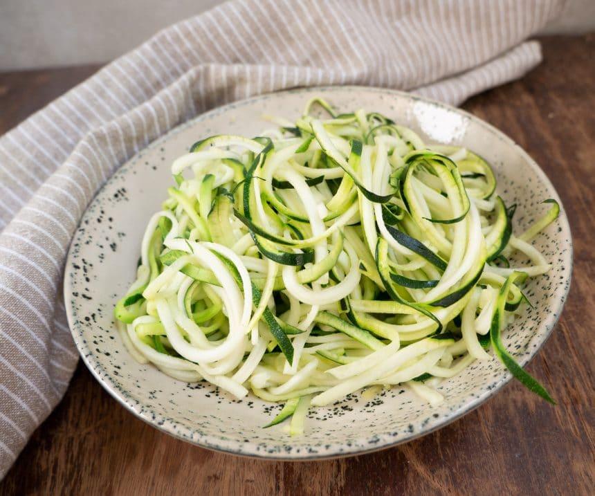 Nem opskrift på hjemmelavet zucchini-spaghetti