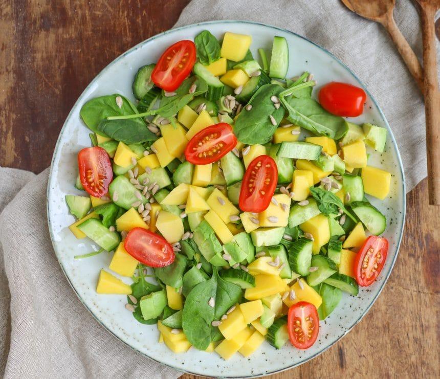 Opskrift på salat med avocado og mango