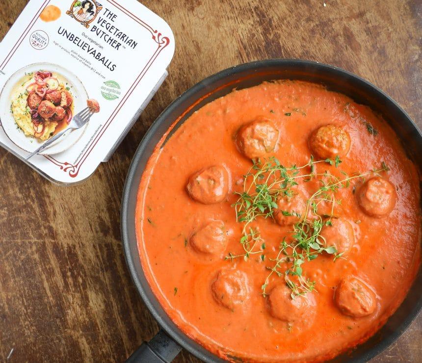 Opskrift på vegetariske boller i tomatsauce