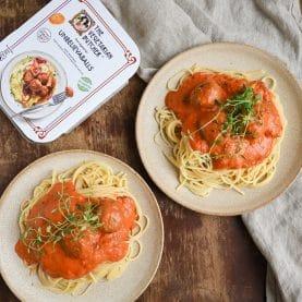 Vegetar kødboller i tomatsauce