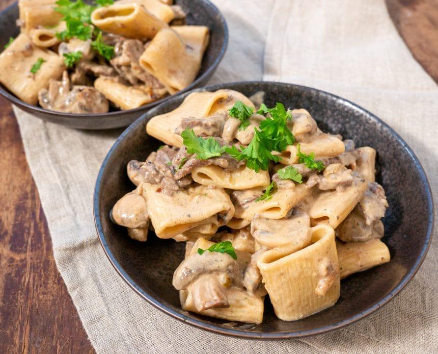 Opskrift på pasta med flanksteak og champignon