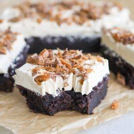Chokoladekage med kaffecreme og Daim