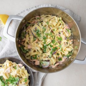 One pot pasta med laks og persille