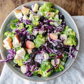 Broccolisalat med mormordressing