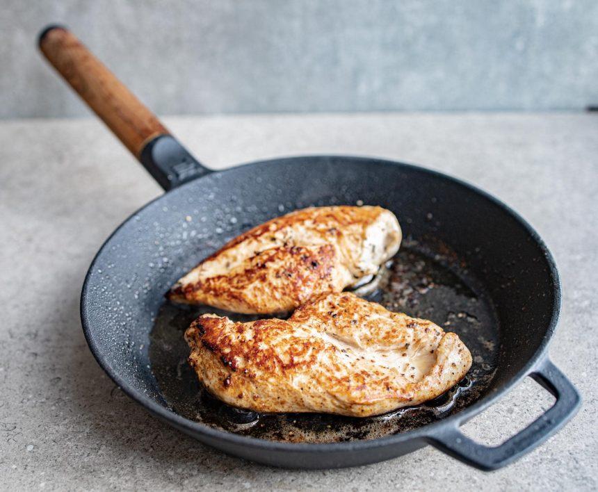Kylling i svampesauce med rodfrugtmos