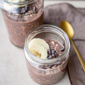 Overnight oats med banan og chokolade
